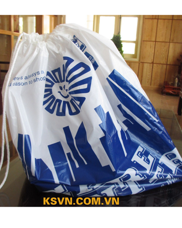 Drawstring bag with high quality printing and cotton white in top.