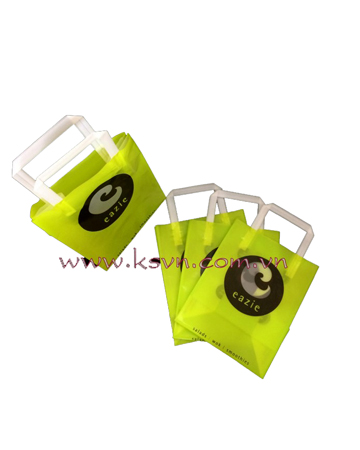 Trifold handle plastic bag with square bottom
