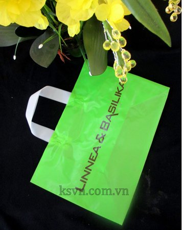 High quality Poly Plastic Soft Loop Handle Bag