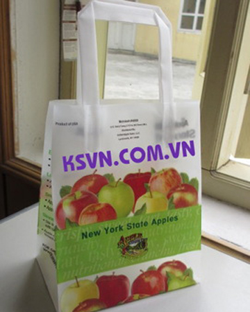 Trifold handle plastic bag with square bottom and carboard bottom
